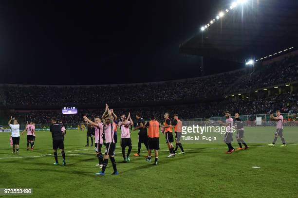 Players of Palermo celebrate after winning the serie B playoff match final between US Citta di Palermo and Frosinone Calcio at Stadio Renzo Barbera...