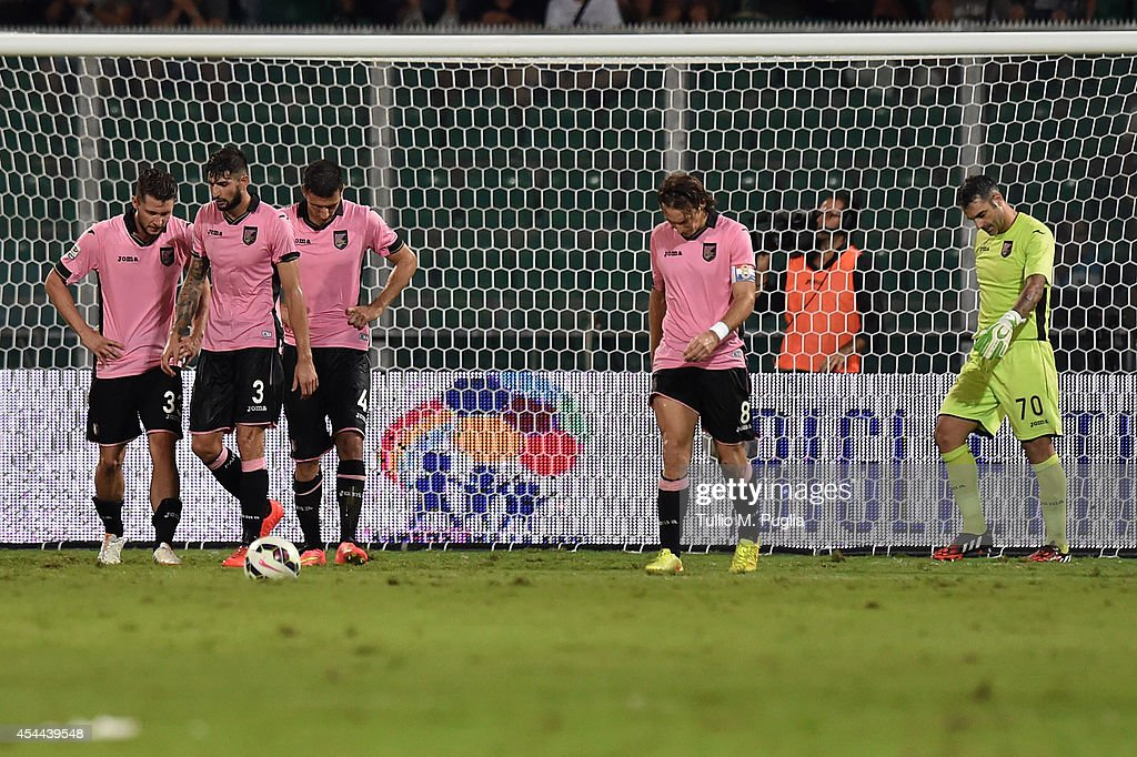 Players of Palermo of Palermo show their dejection after substaining Sampdoria equalizing goal the Serie A match between US Citta di Palermo and UC Sampdoria at Stadio Renzo Barbera on August 31, 2014 in Palermo, Italy.