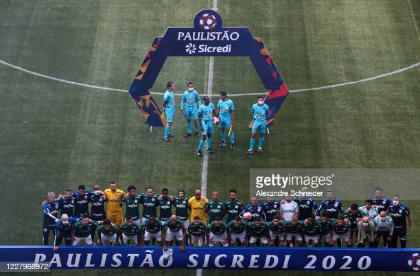 Players of Palmeiras pose for a photo before the match between Corinthians and Palmeiras as part of the State Championship Final at Arena Corinthians...