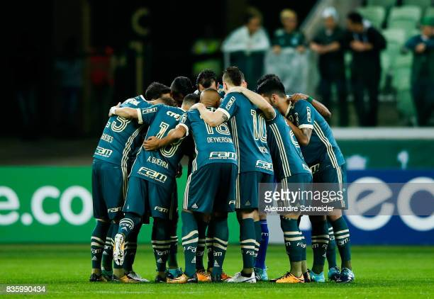 Players of Palmeiras pray before the match between Palmeiras and Chapecoense for the Brasileirao Series A 2017 at Aliians Parque Stadium on August 20...