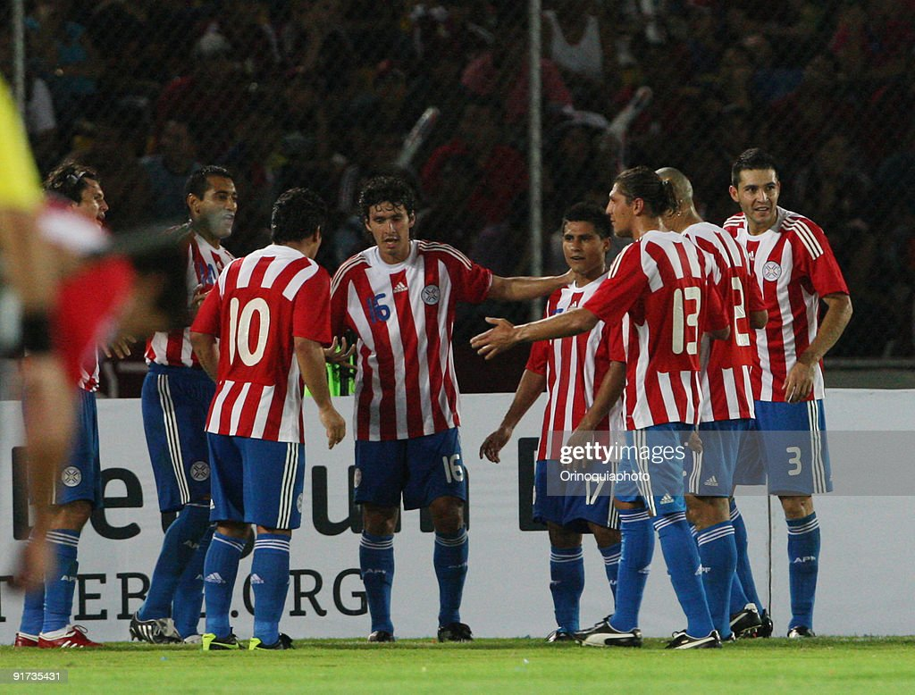 Players of Paraguay celebrate victory over Venezuela ...