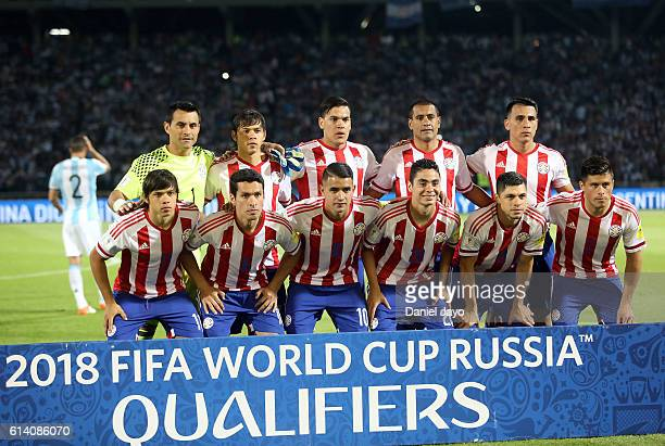Players of Paraguay pose prior a match between Argentina and Paraguay as part of FIFA 2018 World Cup Qualifiers at Mario Alberto Kempes Stadium on...
