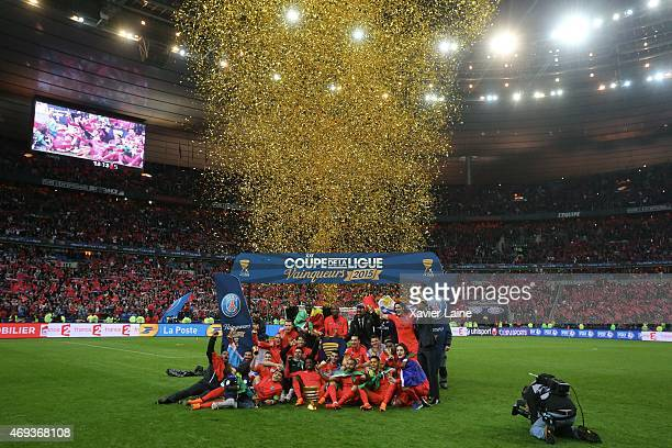 Player's of Paris SaintGermain celebrate the victory after the French League Cup Final between Paris SaintGermain and SC bastia FC at Parc Des...