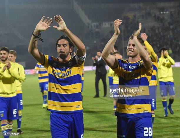 Players of Parma Calcio celebrate the victory after the match between Ascoli Picchio and Parma Calcio at Stadio Cino e Lillo Del Duca on April 16...