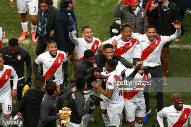 Players of Peru celebrate after winning the Copa America Brazil 2019 Semi Final match between Chile and Peru at Arena do Gremio on July 03 2019 in...