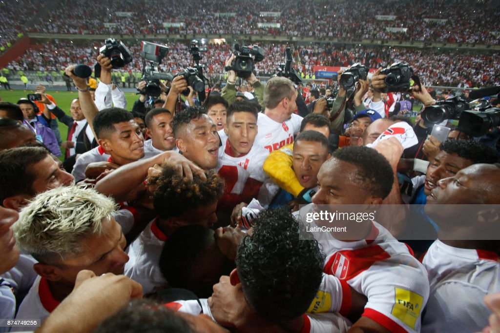 Players of Peru celebrate their victory and qualification to the World Cup after a second leg match between Peru and New Zealand as part of the 2018 FIFA World Cup Qualifier Playoff at Estadio Nacional de Lima on November 15, 2017 in Lima, Peru.
