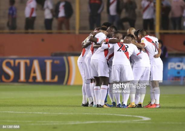 Players of Peru huddle prior a match between Peru and Bolivia as part of FIFA 2018 World Cup Qualifiers at Monumental Stadium on August 31 2017 in...