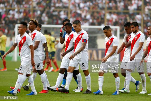 Players of Peru leave the field at the end of the first half during a friendly match between Peru and Colombia at Estadio Monumental de Lima on June...