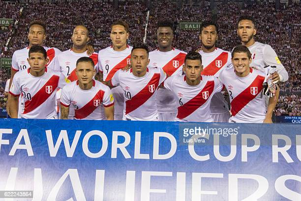 Players of Peru pose before a match between Paraguay and Peru as part of FIFA 2018 World Cup Qualifiers at Defensores del Chaco Stadium on November...