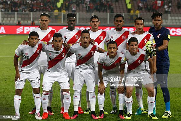 Players of Peru pose for a team photo prior to a match between Peru and Ecuador as part of FIFA 2018 World Cup Qualifiers at Nacional Stadium on...