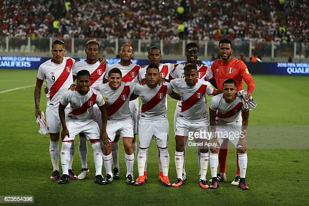 Players of Peru pose prior a match between Peru and Brazil as part of FIFA 2018 World Cup Qualifiers at Nacional Stadium on November 15 2016 in Lima...
