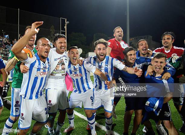 Players of Pescara celebrate after the Serie B match between Trapani Calcio and Pescara Calcio at Stadio Provinciale on June 9 2016 in Trapani Italy