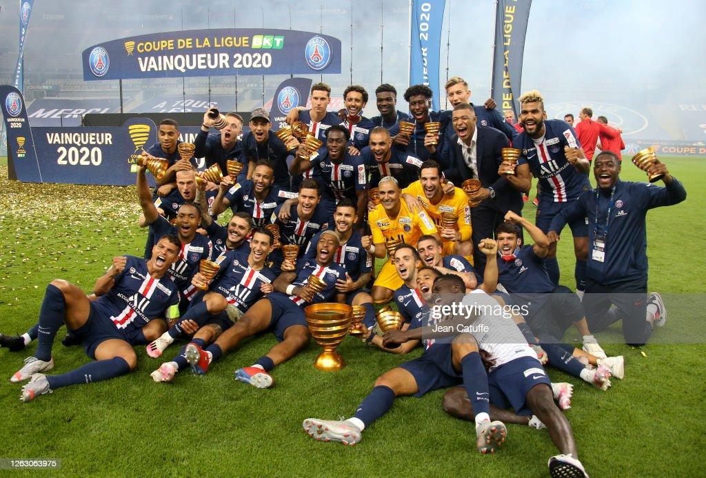 Paris Saint Germain  V Olympique Lyonnais - French League Cup Final : News Photo