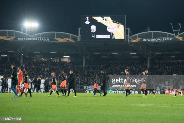 Players of PSV Eindhoven with goalkeeper Jeroen Zoet leave the pitch after the UEFA Europa League group D match between LASK and PSV Eindhoven at...