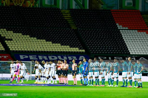 Players of Pumas UNAM and Leon line up prior the 11th round match between Leon and Pumas UNAM as part of the Torneo Guard1anes 2020 Liga MX at Leon...