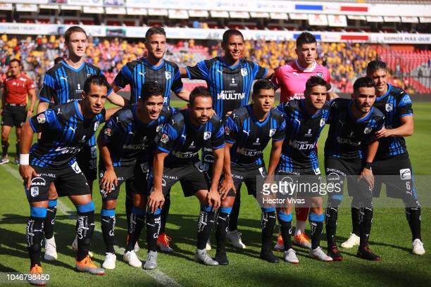 Players of Queretaro pose prior the 11th round match between Queretaro and Tigres UANL as part of the Torneo Apertura 2018 Liga MX at La Corregidora...