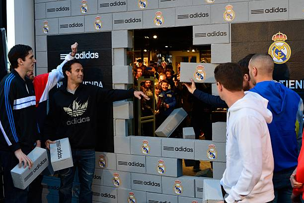 bosque otro usted está  Adidas Store Re-Opening at Santiago Bernabeu Stadium Photos and Images |  Getty Images
