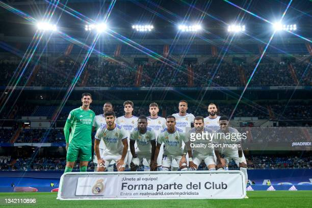 Players of Real Madrid CF line up for a photo prior to kick off during the La Liga Santander match between Real Madrid CF and RCD Mallorca at Stadium...