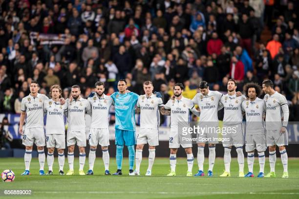 Players of Real Madrid line up and pose for a photo prior to the La Liga match between Real Madrid and Real Betis at the Santiago Bernabeu Stadium on...