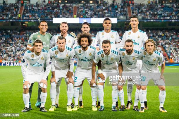 Players of Real Madrid line up and pose for a photo prior to the UEFA Champions League 201718 match between Real Madrid and APOEL FC at Estadio...