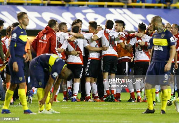 Players of River Plate celebrate after wining the match between Boca Juniors and River Plate as part of Torneo Primera Division 2016/17 at Alberto J...