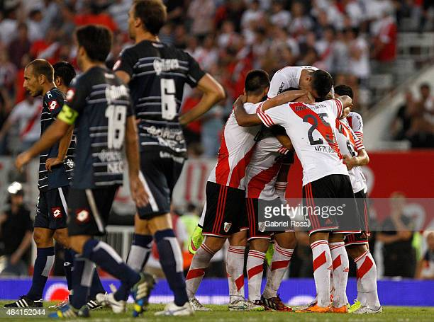Players of River Plate celebrate the second goal of their team scored by Leonardo Ponzio during a match between River Plate and Quilmes as part of...