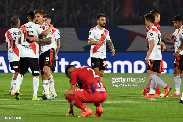 Players of River Plate celebrate their qualification to the semifinals after a match between Cerro Porteño and River Plate as part of Quarter Finals...