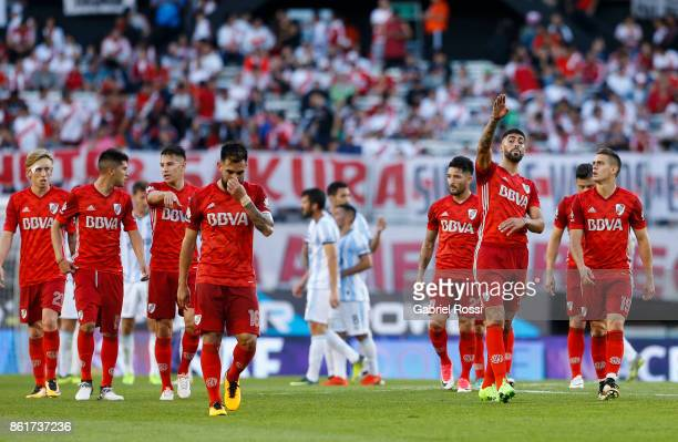 Players of River Plate leave the field at the end of the first half during a match between River Plate and Atletico de Tucuman as part of Superliga...
