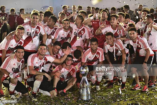 Players of River Plate pose after a final match between River Plate and Rosario Central as part of Copa Argentina 2016 at Mario Alberto Kempes...