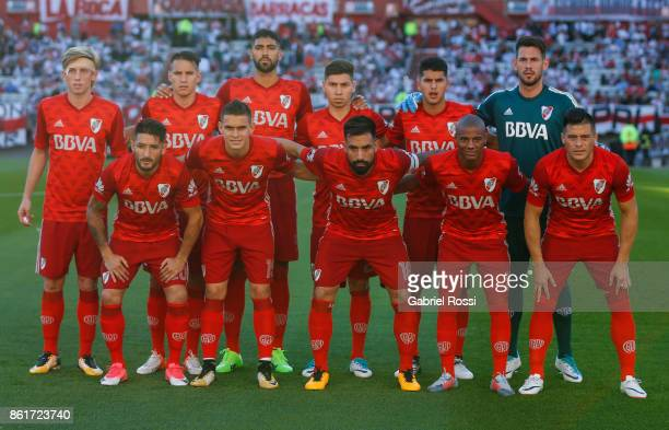 Players of River Plate pose for a photo prior the match between River Plate and Atletico de Tucuman as part of Superliga 2017/18 at Monumental...