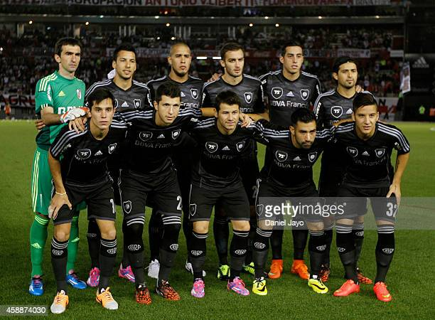 Players of River Plate pose for a team photo before a match between River Plate and Estudiantes as part of 14th round of Torneo de Transicion 2014 at...