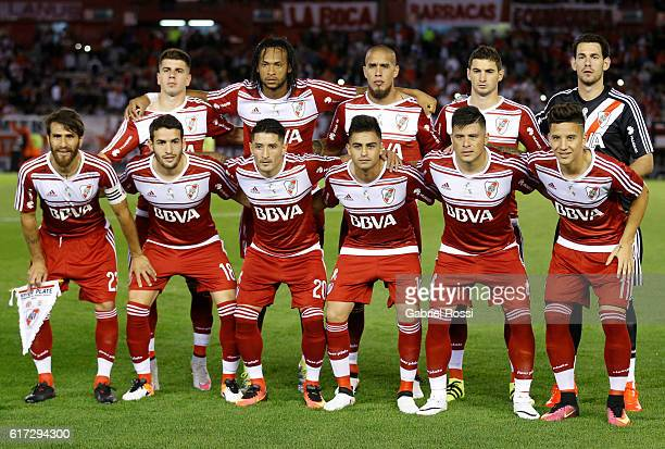 Players of River Plate pose for a team photo prior to the match between River Plate and Atletico Rafaela as part of Torneo Primera Division 2016/17...