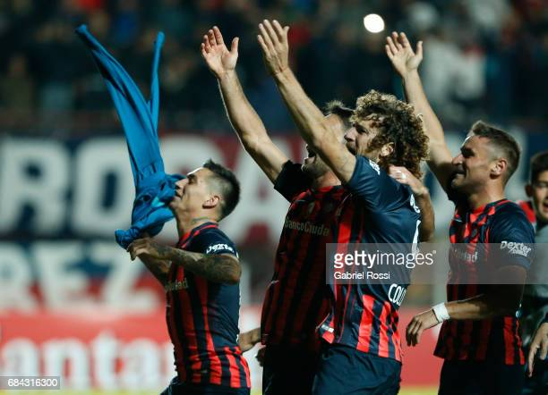 Players of San Lorenzo celebrate after winning the group stage match between San Lorenzo and Flamengo as part of Copa CONMEBOL Libertadores...