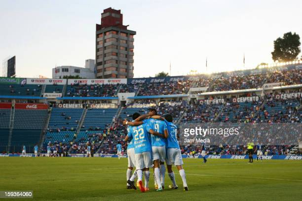 Players of San Luis celebrate during the Clausura 2013 Liga MX at Azul Stadium on january 12, 2013 in Mexico City, Mexico.