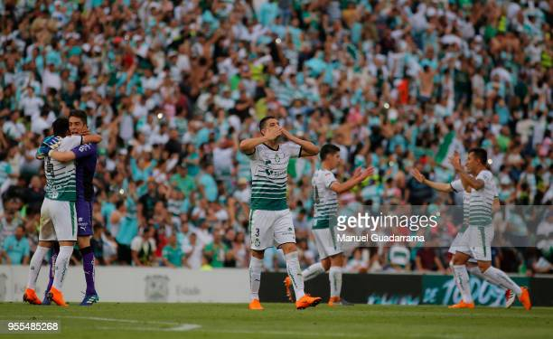 Players of Santos celebrate after the quarter finals second leg match between Santos Laguna and Tigres UANL as part of the Torneo Clausura 2018 Liga...
