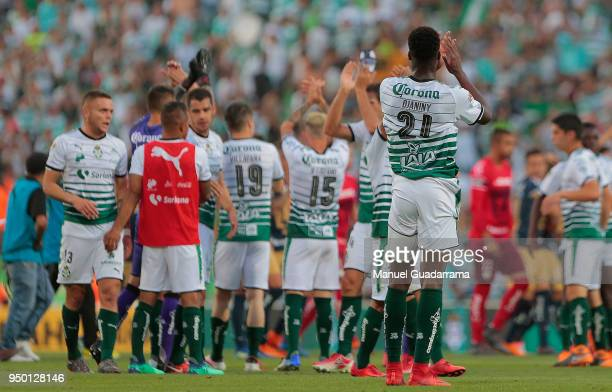 Players of Santos greet fans after the 16th round match between Santos Laguna and Pumas UNAM as part of the Torneo Clausura 2018 Liga MX at Corona...