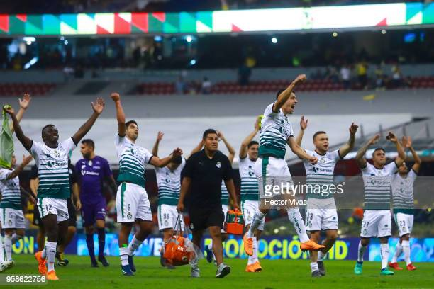 Players of Santos Laguna celebrate after winning the semifinals second leg match between America and Santos Laguna as part of the Torneo Clausura...