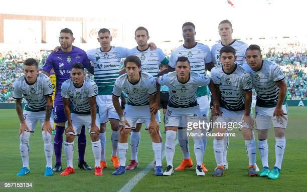 Players of Santos pose prior the semifinals first leg match between Santos Laguna and America as part of the Torneo Clausura 2018 Liga MX at Corona...