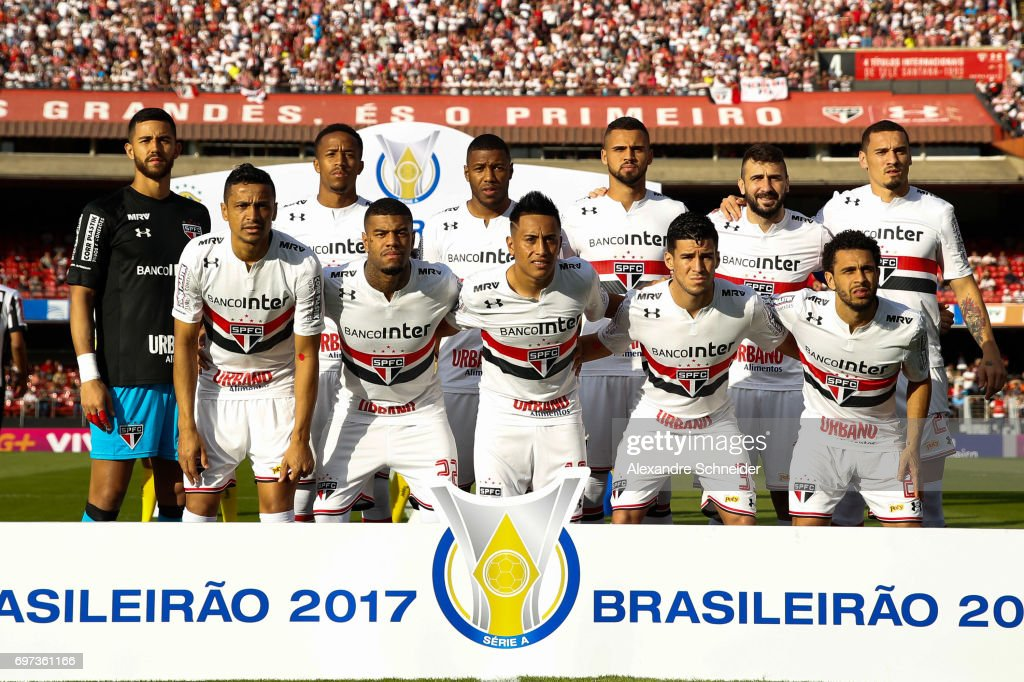 Players of Sao Paulo pose for photo before the match between Sao Paulo and Atletico MG for the Brasileirao Series A 2017 at Morumbi Stadium on June 18, 2017 in Sao Paulo, Brazil.