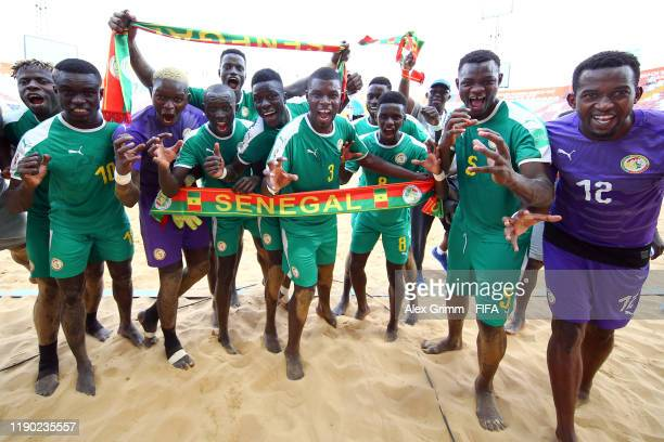 Players of Senegal celebrate after the FIFA Beach Soccer World Cup Paraguay 2019 group C match between United Arab Emirates at Estadio Mundialista...