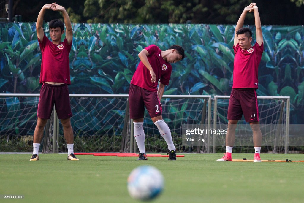 Players of Shanghai SIPG during pre-match training session of the AFC Champions League 2017 Quarterfinals 1st leg between Shanghai SIPG v Guangzhou Evergrande at Shanghai Stadium on August 21, 2017 in Shanghai, China.