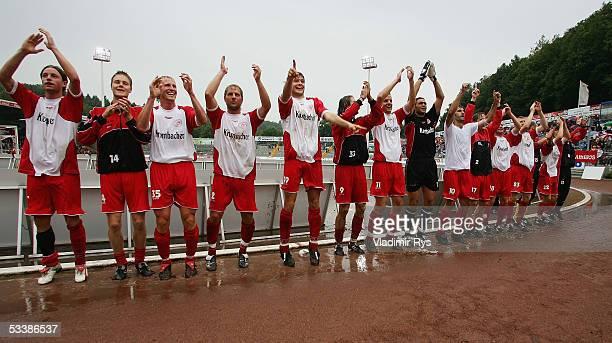 Players of Siegen celebrate after winning the Second Bundesliga match between Sportfreunde Siegen and SpVgg Unterhaching on August 14, 2005 in...