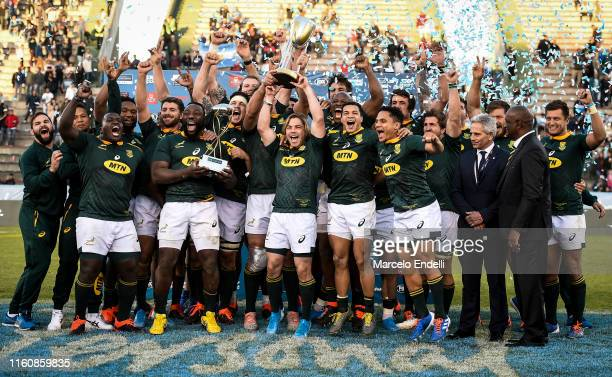 Players of South Africa lift the Rugby Championship 2019 Trophy after winning a match between Argentina and South Africa as part of The Rugby...