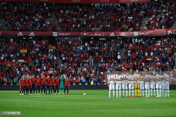 Players of Spain and of Faroe Islands holds a minute of silence in memory to Xana daugther of Ex coach of Spain Luis Enrique during the UEFA Euro...