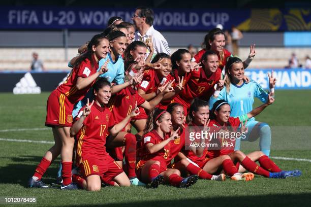 Players of Spain celebrate after the FIFA U-20 Women's World Cup France 2018 group C match between Paraguay and Spain at Stade Guy-Piriou on August...