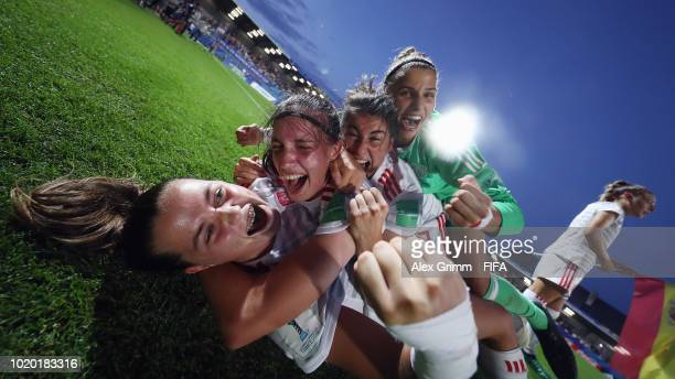 Players of Spain huddle after the FIFA U20 Women's World Cup France 2018 Semi Final semi final match between France and Spain at Stade de la Rabine...