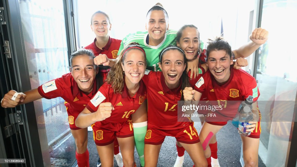 Players of Spain celebrate in the tunnel after the FIFA U-20 Women's World Cup France 2018 group C match between Spain and Japan at Stade Guy-Piriou on August 9, 2018 in Concarneau, France.