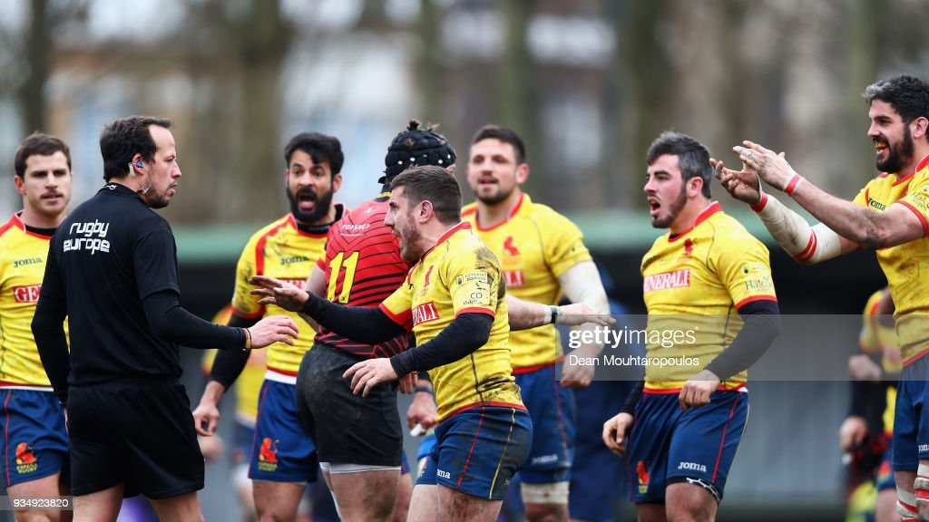 Players of Spain including Guillaume G Rouet confront the Romanian referee Vlad Iordachescu after defeat in the Rugby World Cup 2019 Europe Qualifier match between Belgium and Spain held at Little Heysel next to King Baudouin Stadium on March 18, 2018 in Brussels, Belgium.