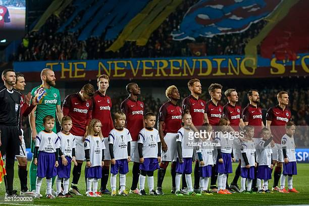 Players of Sparta Prague are seen before the UEFA Europa League Quarter Final second leg match between Sparta Prague and Villareal CF on April 14...