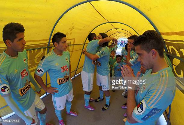 Players of Sporting Cristal wait to enter onto the field prior to a match between Sporting Cristal and Union Comercio as part of round 14 of Torneo...